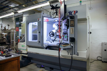 The TG4 CNC lip and chamfering sharpening machine at Dathan
